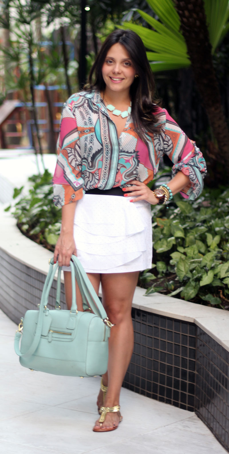 look camisa estampada saia branca claudinha stoco 5 Look Camisa Colorida e Saia Branca!