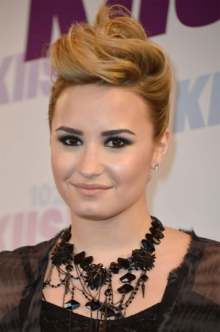demi-lovato-makeup-claudinha-stoco-1