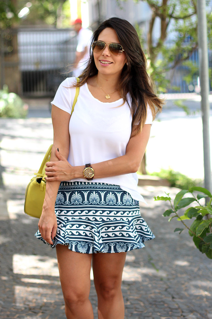 look casual saia estampada claudinha stoco 2 Look: Saia Estampada e Tênis!