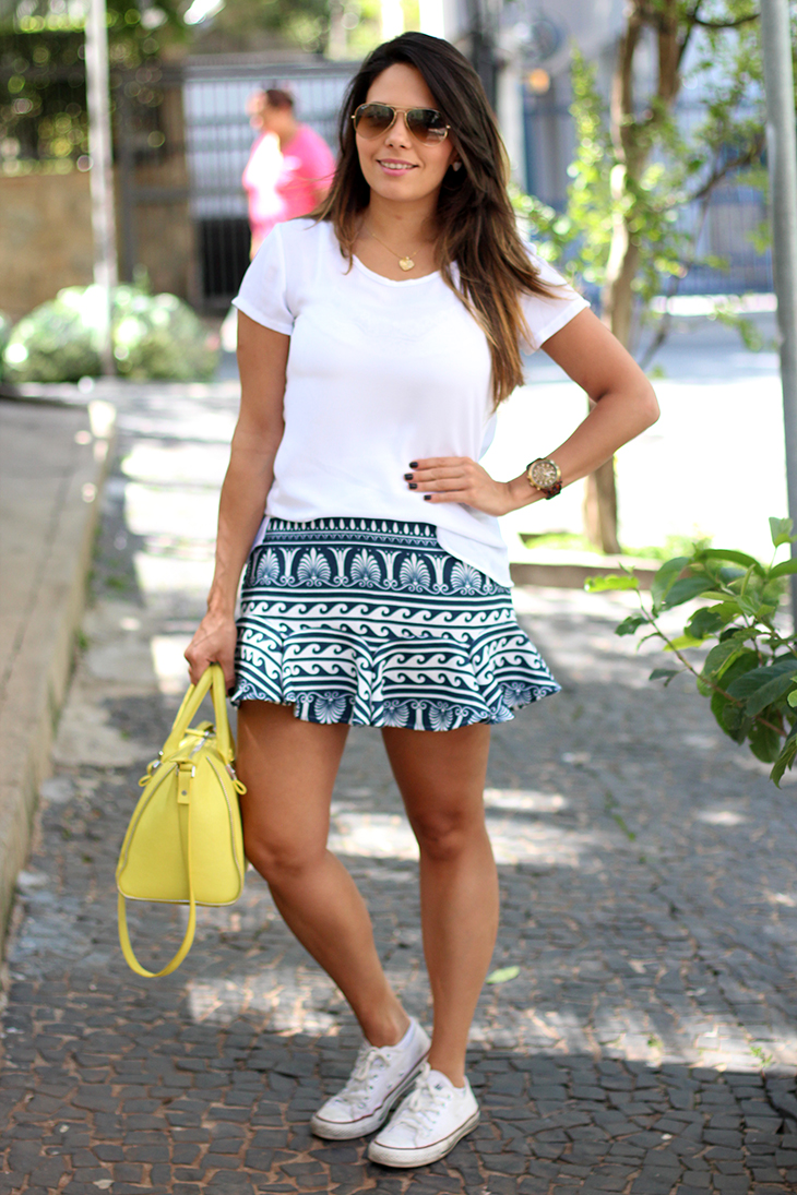 look casual saia estampada claudinha stoco 6 Look: Saia Estampada e Tênis!